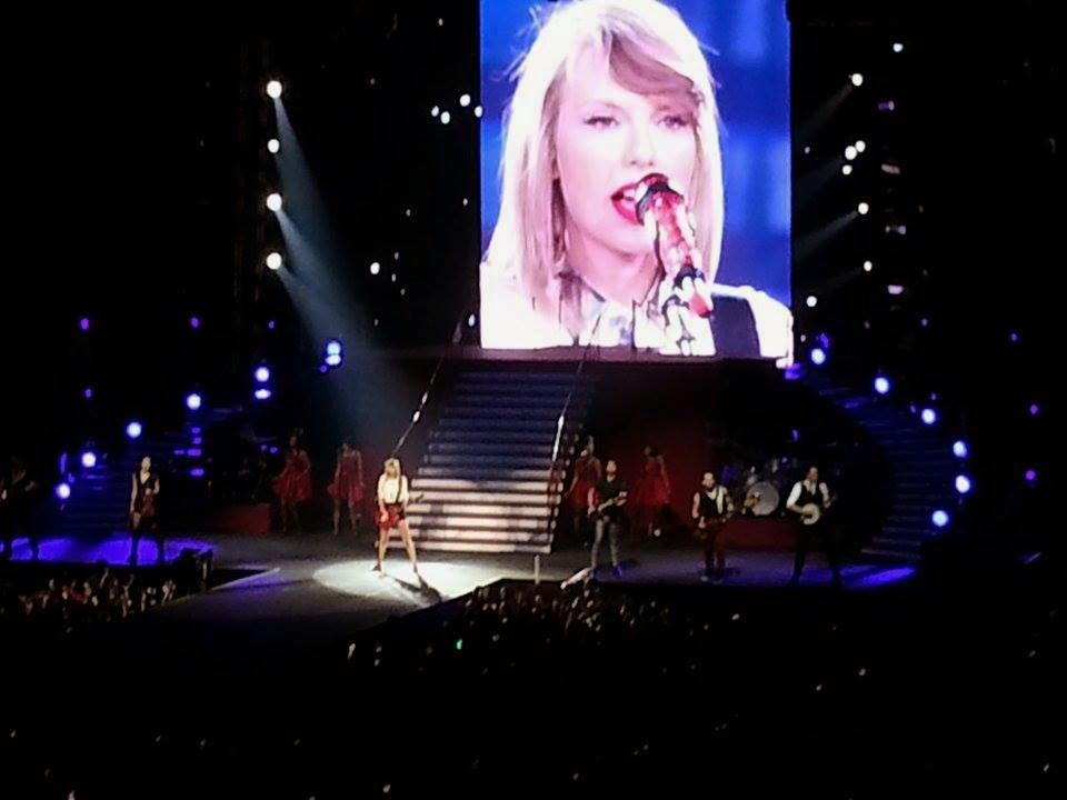 Taylor Swift The Red Tour Philippines June 6, 2014