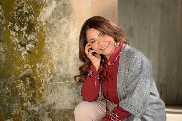 """""""Inexplicavelmente"""" nova música de trabalho de Raquel Mello"""