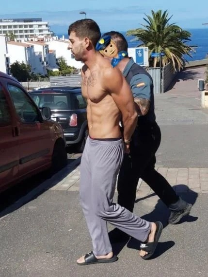 Influencer desobedece la cuarentena y transmite en vivo desde la playa; ya fue detenido