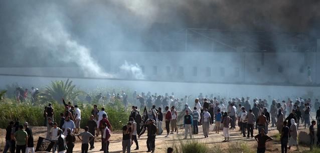 نيويورك تايمز: لماذا وعد تونس بالديمقراطية يكافح ليؤتي ثماره