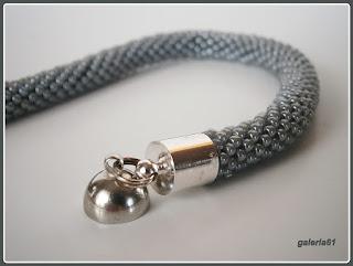 bransoletka szara, sznur szydełkowo koralikowy