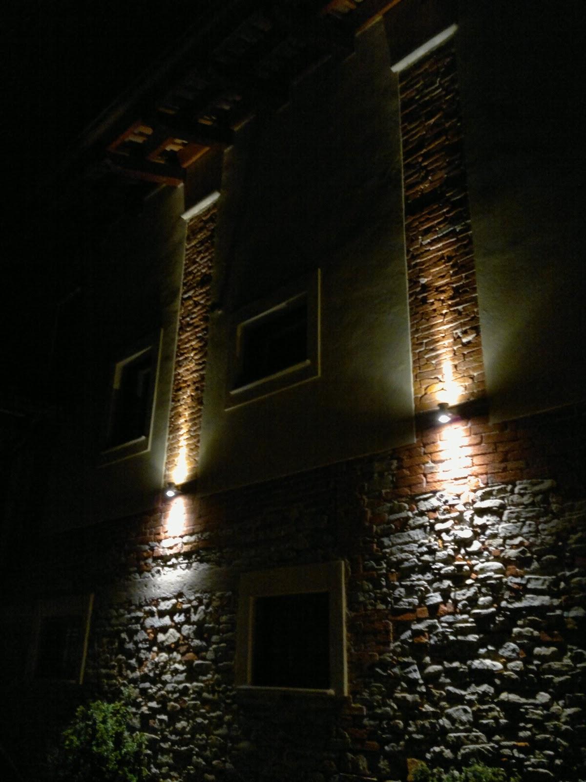Illuminazione led casa dogliani ristrutturazione cascinale - Illuminazione scale interne led ...