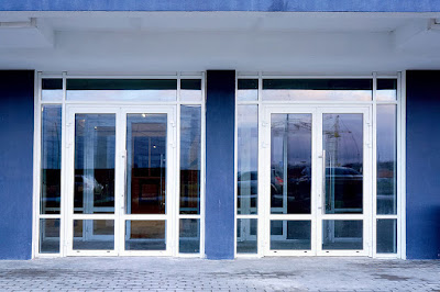 3 Tips for Installing Commercial Glass for an Entranceway - comercial glass installation - Dans Glass