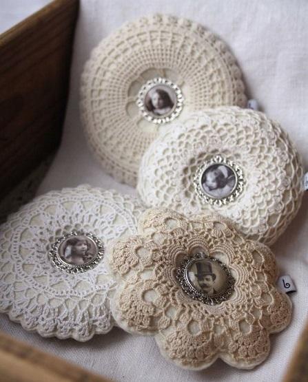 Decoração com almofadas redondas de crochê