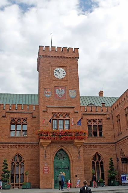 neogotycki budynek Ratusza w Kołobrzegu