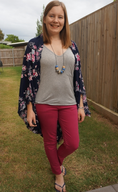 work from home colourful style with magenta skinny jeans grey tee and floral navy kimono | awayfromblue