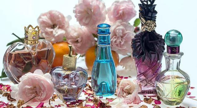 https://www.abusyuja.com/2020/08/hukum-alkohol-dalam-minyak-wangi-parfum.html