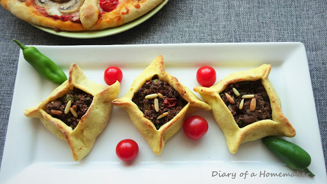 sfeehas-Labneese-meat-pies-onions-mince-tomatoes-pomegranate-molasses-all-spice-baharat-Middle-Eastern cuisine-
