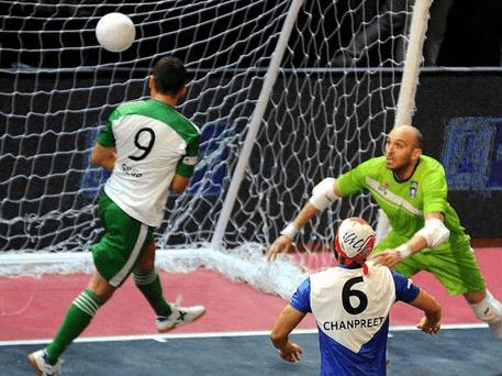 Teknik Dasar Menyundul Bola (Heading) Futsal