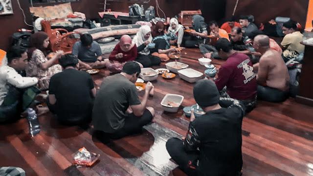 Hiking & Camping di Sepilok Laut Sandakan