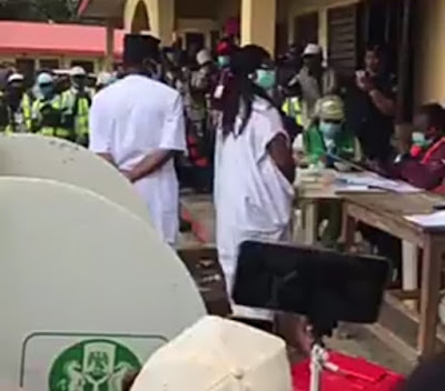 VIDEO: Card Readers Fail As Jegede, Wife Prepare To Vote #OndoDecides2020