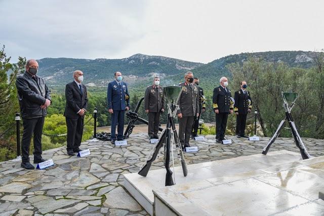 Παρουσία Αρχηγού ΓΕΕΘΑ τιμήθηκαν οι Πεσόντες του Πολεμικού Ναυτικού (7 ΦΩΤΟ)