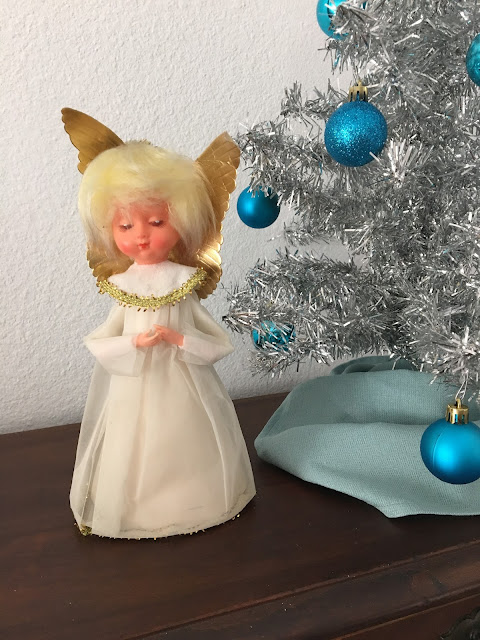 wacky tacky vintage tree topper
