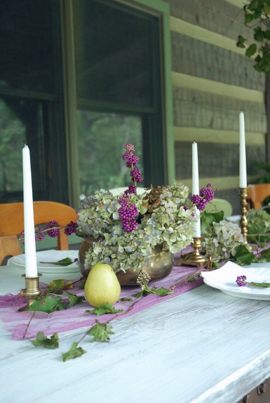 Fall_Tablescape_Outdoor_pears_beautyberry_purple_dried_hydrangeas_brass