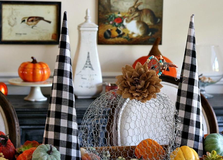 chicken-wire-athomewithjemma-pumpkin-craft-fall-halloween-thanksgiving