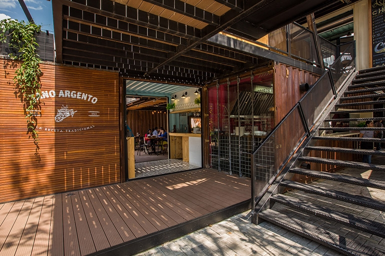 01-Shipping-Container-Architecture-6-Restaurants-in-the-Contenedores-Food-Place-www-designstack-co