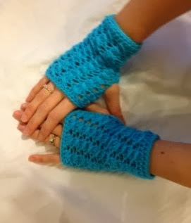 Crocheted Fingerless Mittons