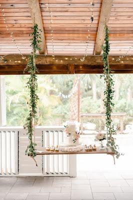 wedding cake on hanging table
