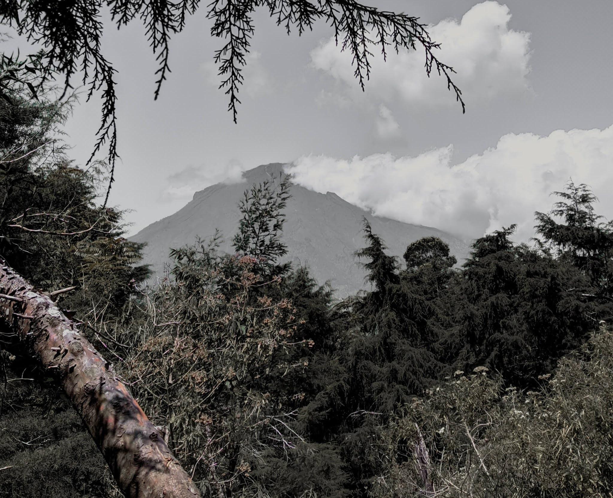 Mbah kuat Gunung Sindoro