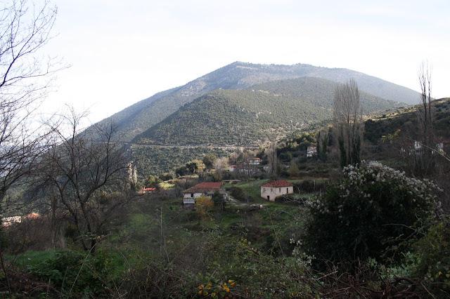 Κεφαλόβρυσο: Το μικρό χωριό της Αργολίδας με τα κρυστάλλινα νερά και το υπέροχο τοπίο