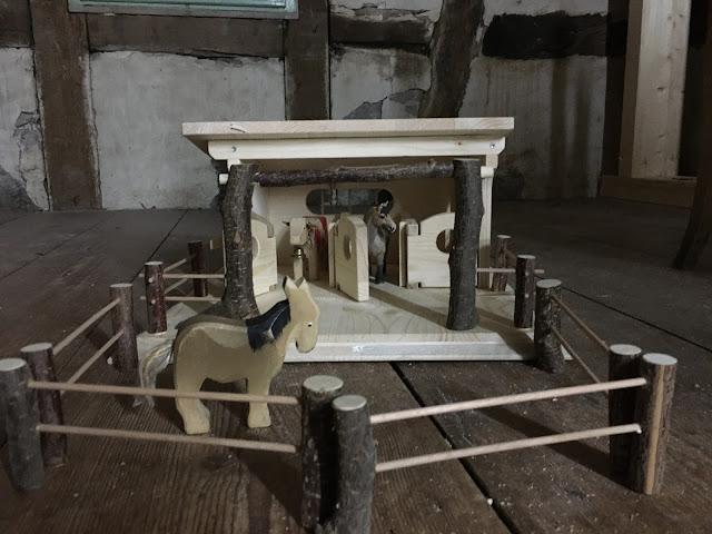 Pferdestall Holz für Kinder