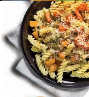 Preparare reteta Salata de paste cu portocale si pesto