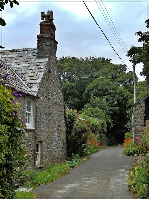 Cottages walking towards St. Nectan's Waterfall, Cornwall