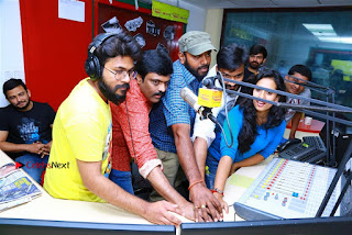 Sanjeev Chetana Uttej at Pichiga Nachav Song Launch at Radio Mirchi Pos  0016.jpg