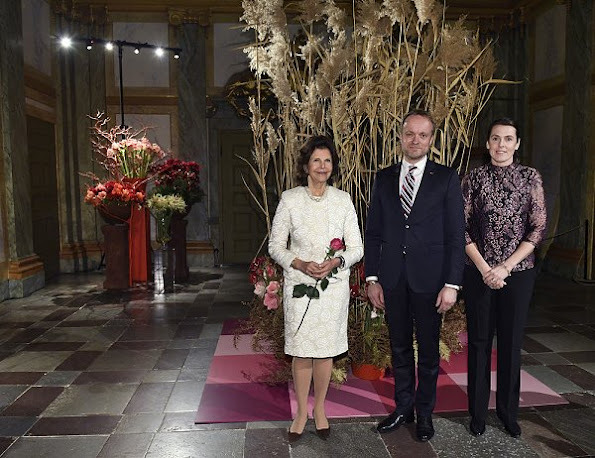 Floral Christmas, flower show, gift, Queen Silvia wears lace dress, pearl necklace, diamond rings