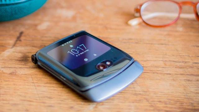 1. Motorola Razr 5G