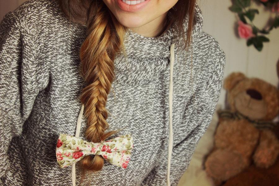 ❀ Melanżowy sweterek + kokardka.