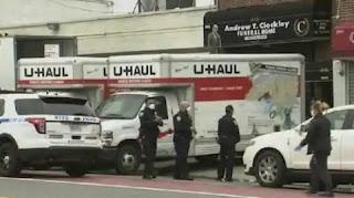 60 dead bodies found in two roadside trucks in America
