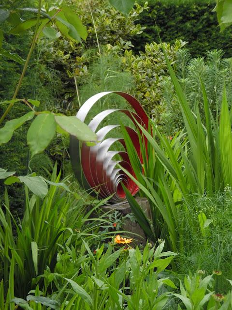 ozdoba ogrodowa rzeźba ogrodowa