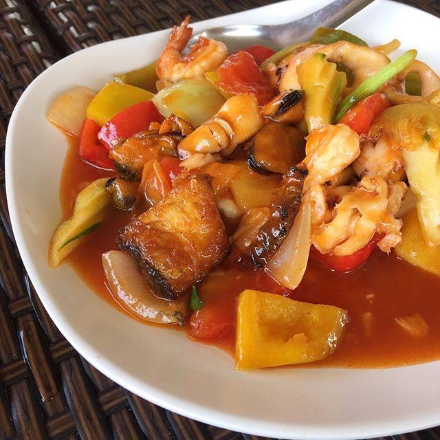 The kitchen menu thai for Ah roy thai cuisine