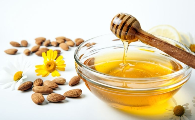 Almond Oil with Honey  | The Girls Beauty Bible