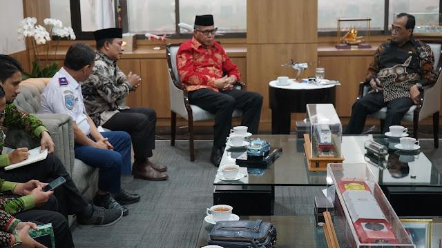 PLT Gubernur dan HRD Temui Menhub, Bahas Percepatan Pembangunan Kereta Api di Aceh
