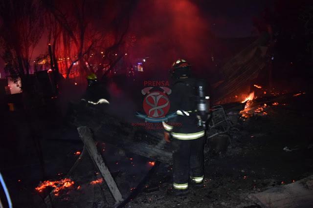 Incendio destruyó una precaria casilla en la madrugada