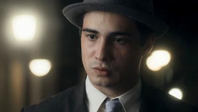 Carlos (Danilo Mesquita) briga com Inês (Carol Macedo) em 'Éramos Seis'