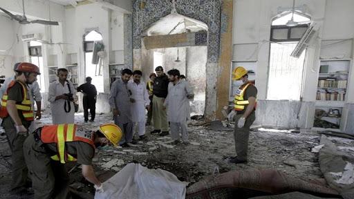 पाकिस्ताान के पेशावर के मदरसे में कुरान पढ़ते वक़्त IED विस्फोट होने से मौके पर 7 लोगों की मौत और दो शिक्षक समेत 70 घायल