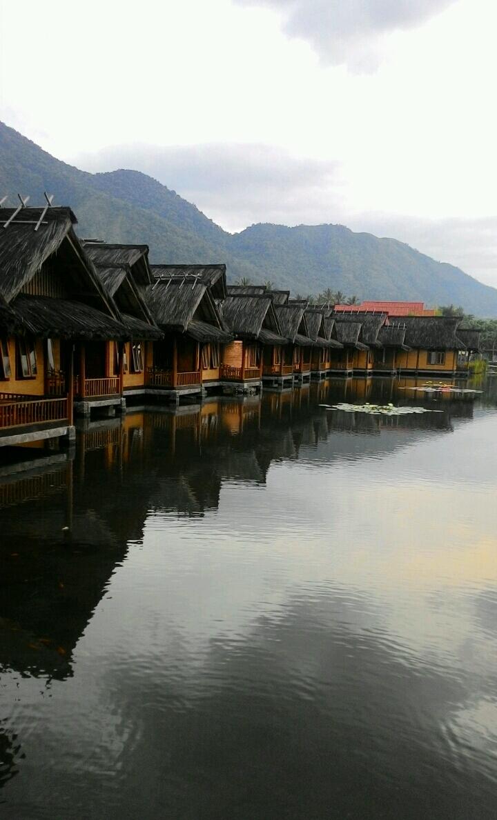 Panorama Gunung Guntur Di Banyu Alam Resort Felly And Family