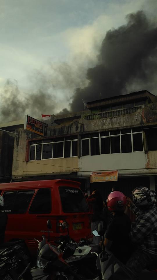 Pasar Aur kuning Bukittinggi Terbakar