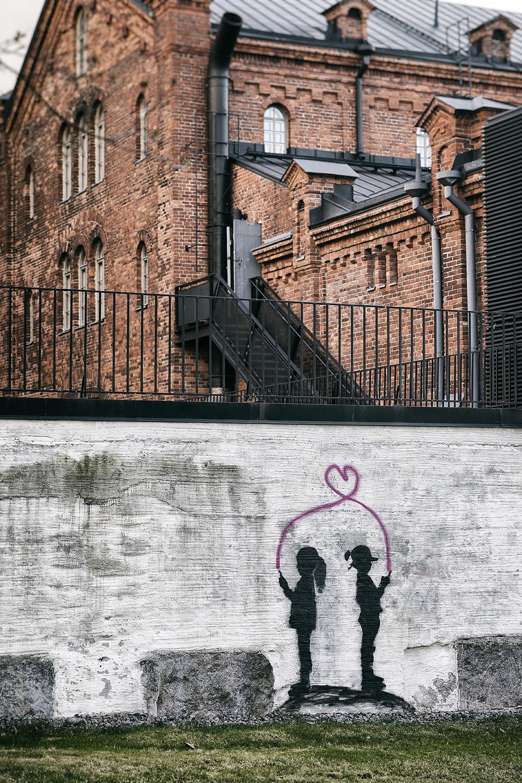 Helsinki, Finland, outdoorphotography, streetphoto, streetphotography, valokuvaus, Visualaddict, valokuvaaja, Frida Steiner, katuvalokuvaus, Kaivopuisto, visitfinland, spring, kevät, rakennus, arkkitehtuuri, kivitalo, architecture, building