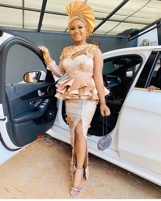 2019 Trendy and Gorgeous Asoebi Styles