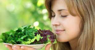 Terlalu Sering Mencium Makanan Enak Gagalkan Cara Cara Diet Alami Lho