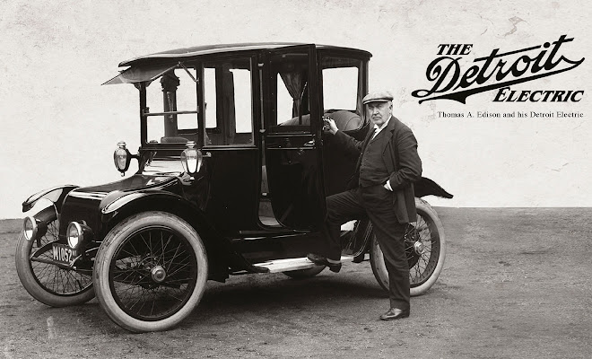 Detroit Electric car circa 1907