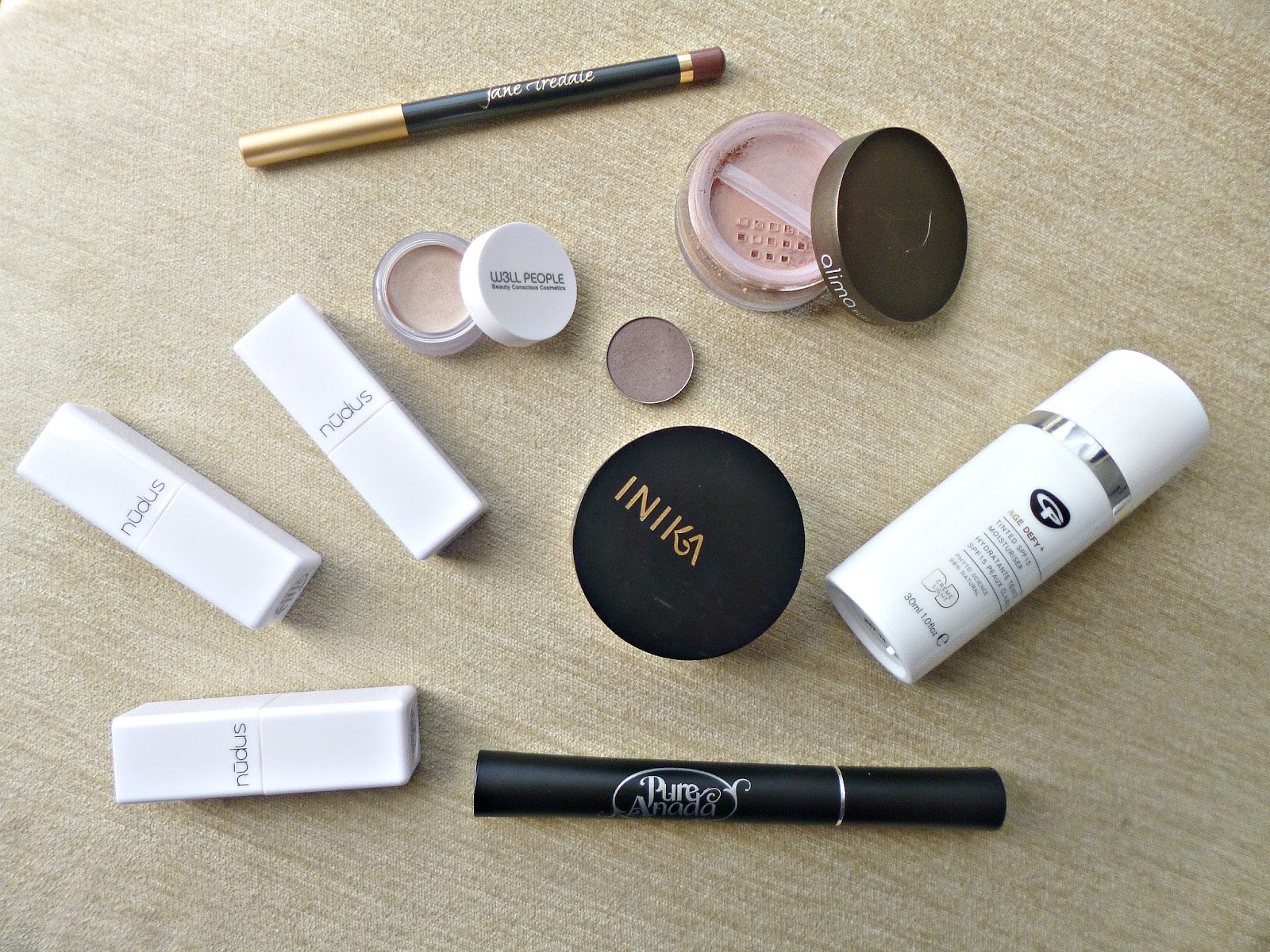 Perfectly polished with natural and organic make up