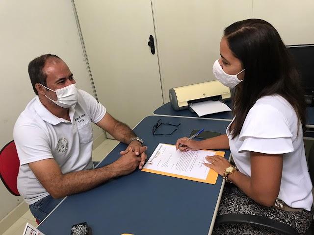 Vereadora Manu Brandão mostra serviço durante recesso da Câmara