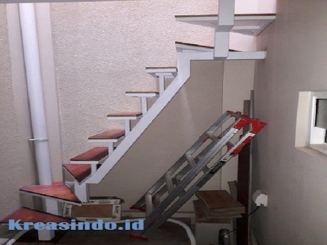 Model Tangga Besi Trap Multiplek Terbaru Untuk Hunian Anda