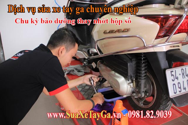 Sửa Xe Tay Ga - Chu kỳ thay nhớt hộp số xe tay ga, có thể bạn chưa biết?