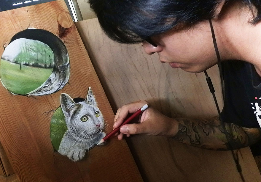 Artist Draws Jaw-Dropping Hyper-Realistic Illustrations On Wooden Boards